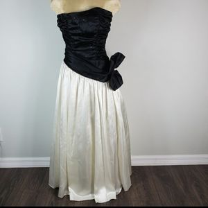 Zum Zum Vintage Prom Dress Black White Bow